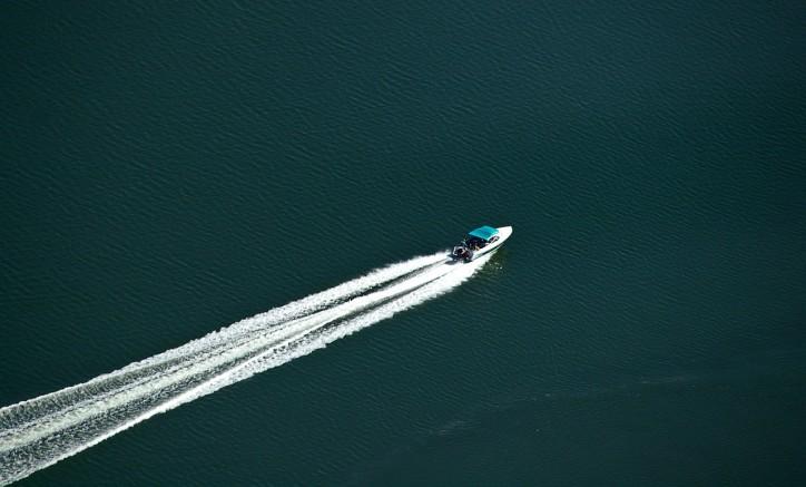 motorboat-425053_1280
